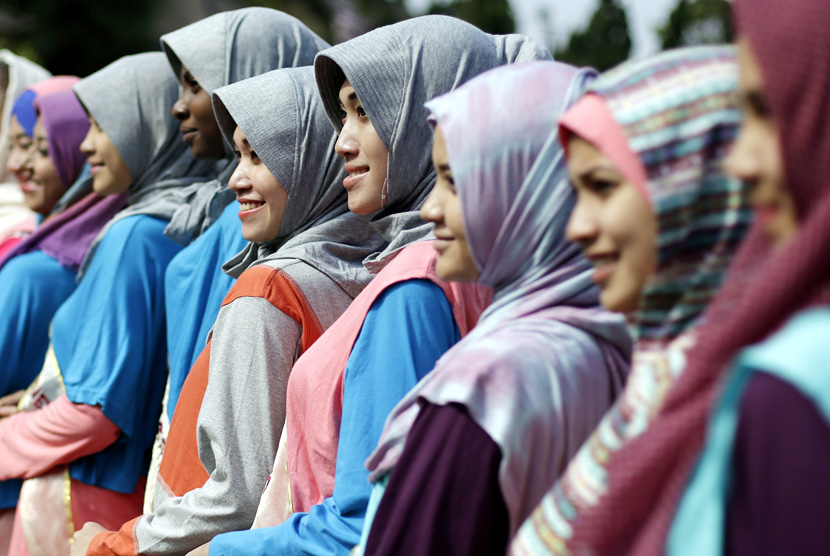 bersolek-yang-diperbolehkan-bagi-muslimah