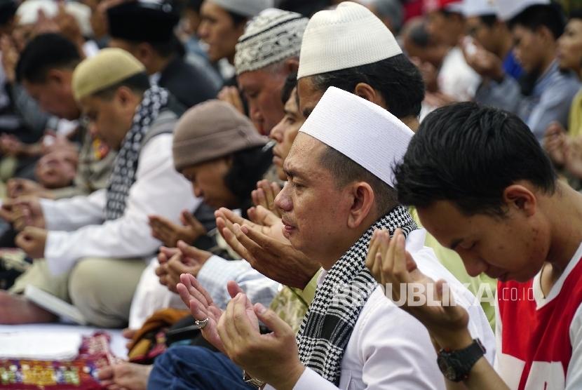 banyak-berdoa