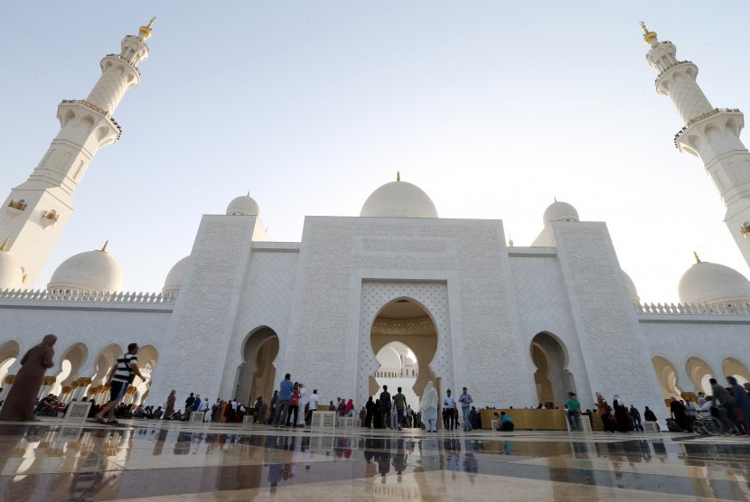selama-ramadhan-uni-emirat-arab-akan-santuni-ribuan-dhuafa